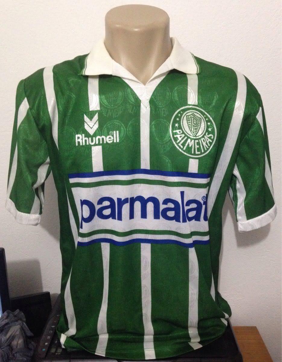b743c9a7de É uma Camisa Do Palmeiras Rhumell Parmalat 1993 Original. Naquela época as  camisas eram produzidas em Poliéster. Essa camisa é do uniforme usado pelo  time ...