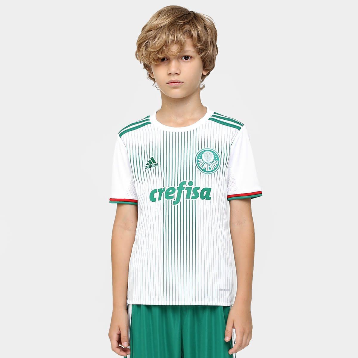 Esse uniforme pode ser usado pelo seu filho durante as atividades do  cotidiano ou para torcer pelo clube em dias de jogos. A camisa 4bc8ffbbcb9b1