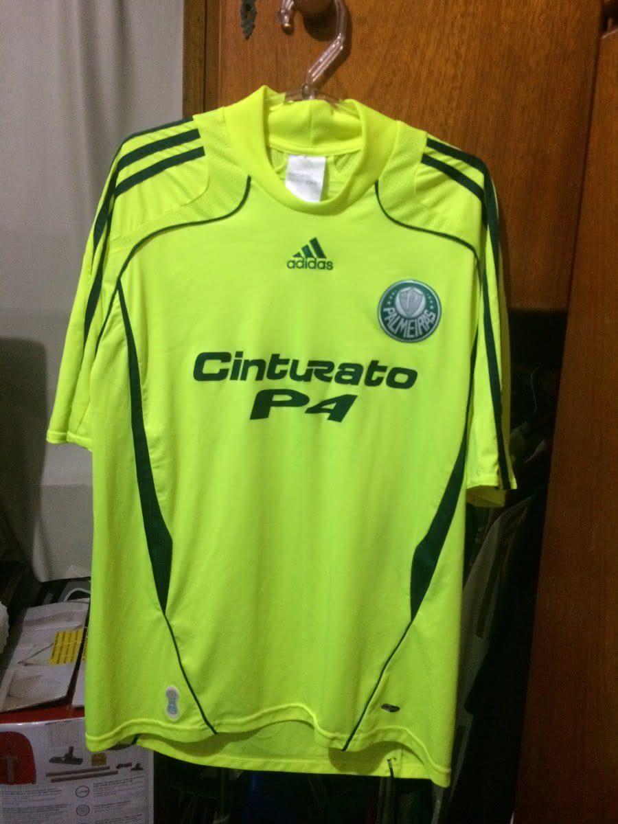 O preço é um pouco elevado devido à raridade do produto nos dias de hoje.  Somente fãs que acompanharam o Palmeiras naquele ano têm essa camisa hoje  em dia. 2227e4fd9fa03